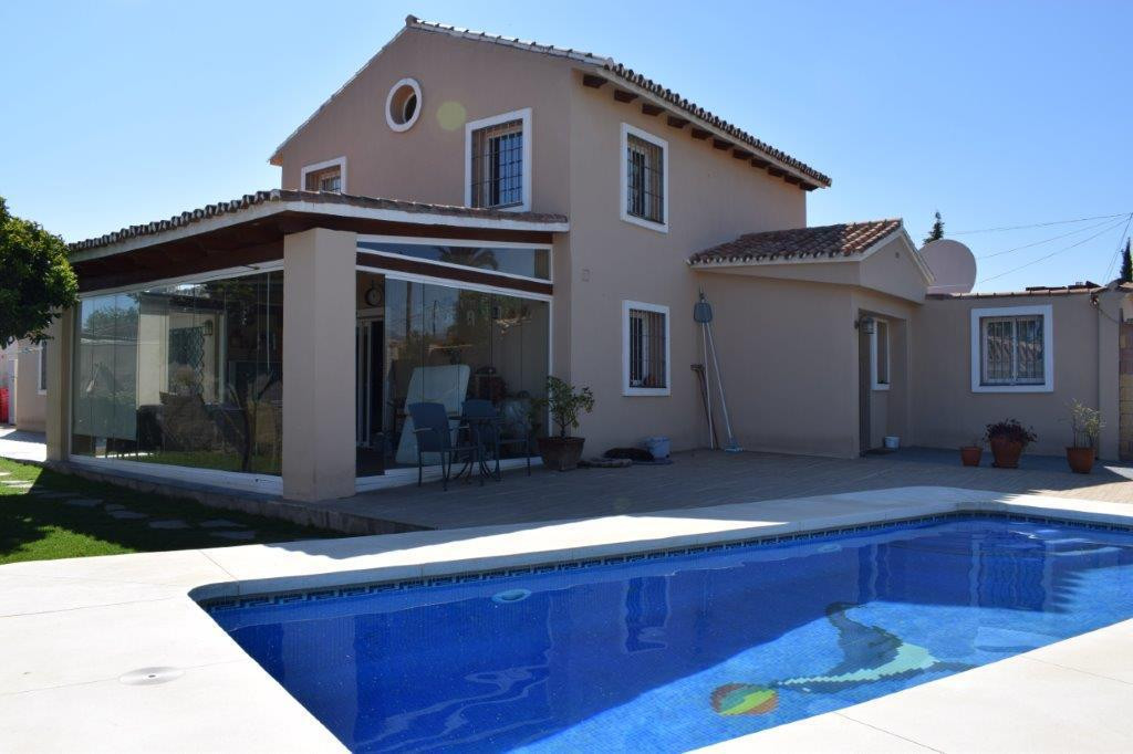 Villa zu verkaufen in San Pedro de Alcántara R2889503