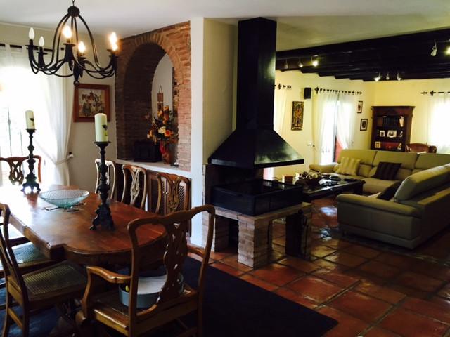 6 Bedroom Villa for sale Guadalmina Baja