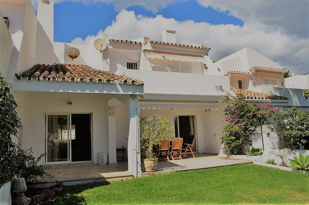 RENTED  - 4 BEDROOM TOWNHOUSE IN ALOHA -  Mediterranean style townhouse with 4 bedrooms and 3 bathro,Spain