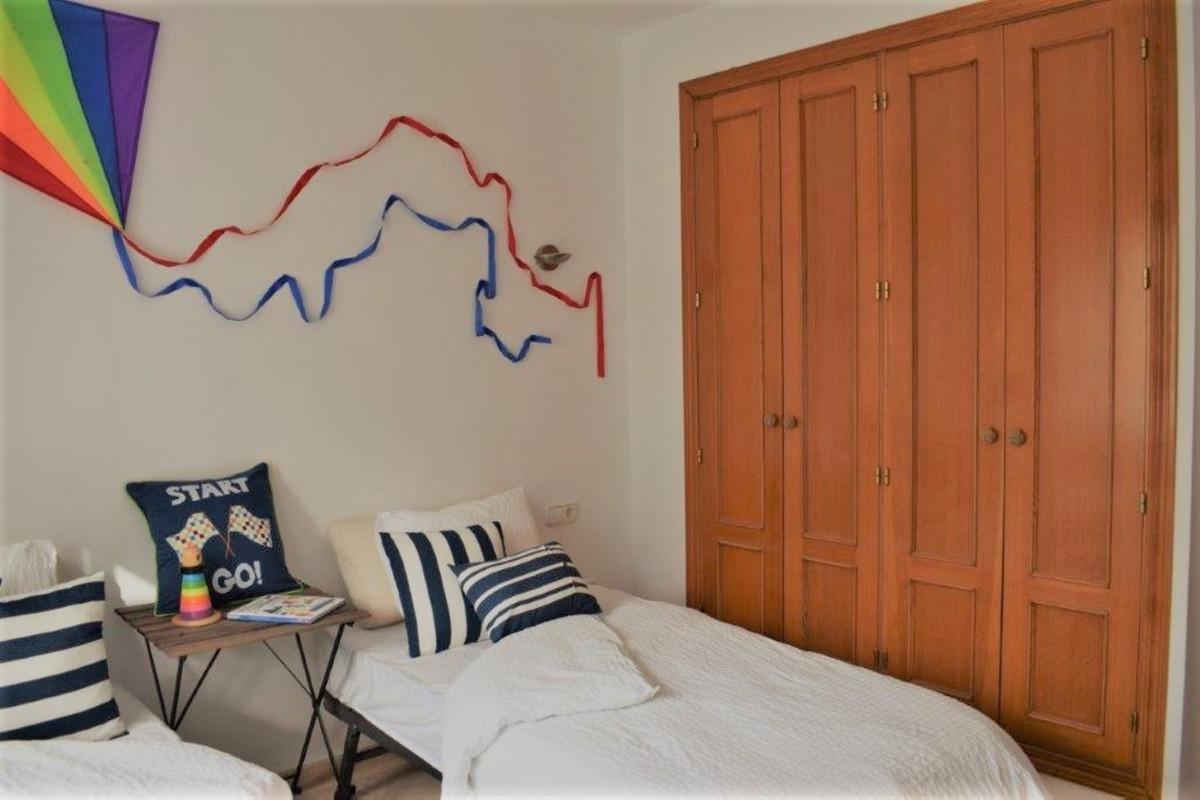 Unifamiliar con 4 Dormitorios en Venta The Golden Mile