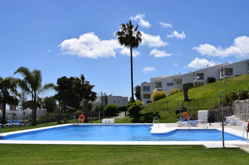 ALOHA - PANORAMICAS VIEWS TO THE GOLF -  1 bedroom ground floor apartment located a few meters from ,Spain
