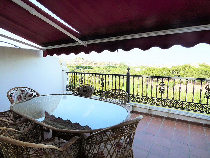 For sale, 5 bed/ 4 bath LARGE TOWNHOUSE, located in Torrequebrada, municipality of Benalmadena. Only,Spain