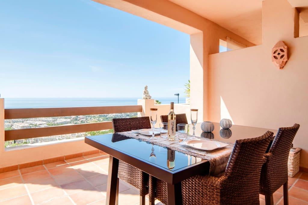 Luxury studio suite with separate sleeping area situated in a residential area between Benalmadena P,Spain