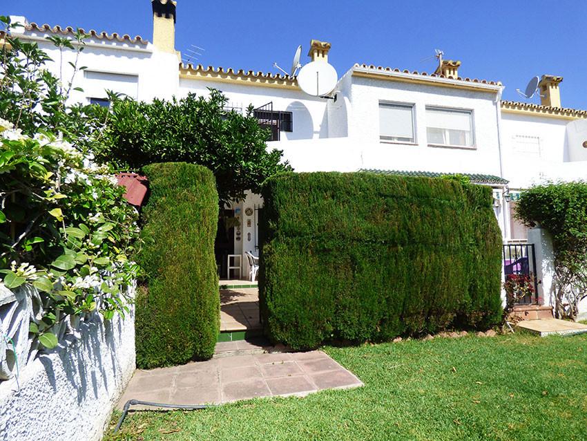 For sale, 3 bed/ 2 bath TOWNHOUSE, located in Arroyo de la Miel, municipality of Benalmadena. Close ,Spain