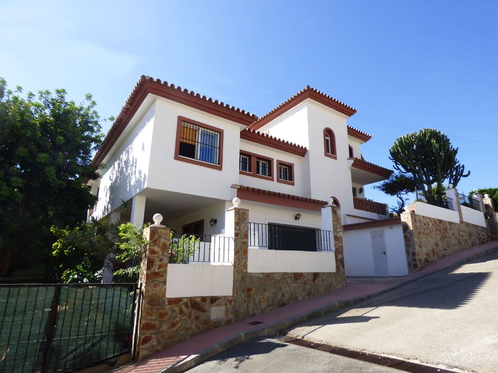 For sale, in Benalmadena Pueblo, 20 min drive from Malaga International Airport, very spacious 5 bed,Spain