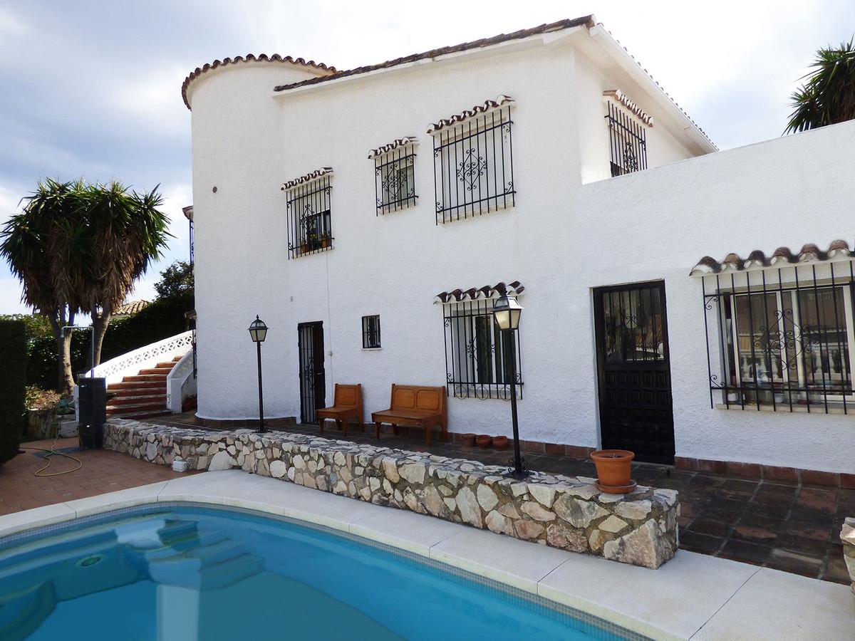 4 Bedroom Villa For Sale, Arroyo de la Miel