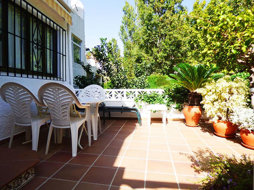 For sale, 2 bed/ 1.5 bath TOWNHOUSE, located in Arroyo de la Miel, municipality of Benalmadena. Clos,Spain