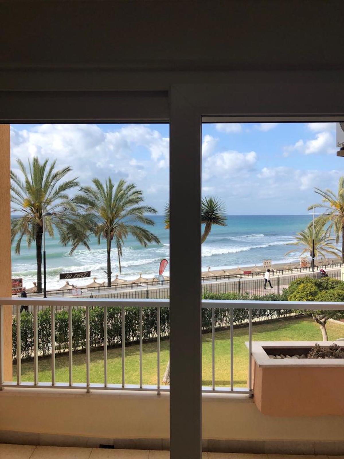 MARBELLA CENTER. FIRST LINE BEACH STUDIO !! Middle Floor Apartment, Marbella, Costa del Sol. Built 4,Spain
