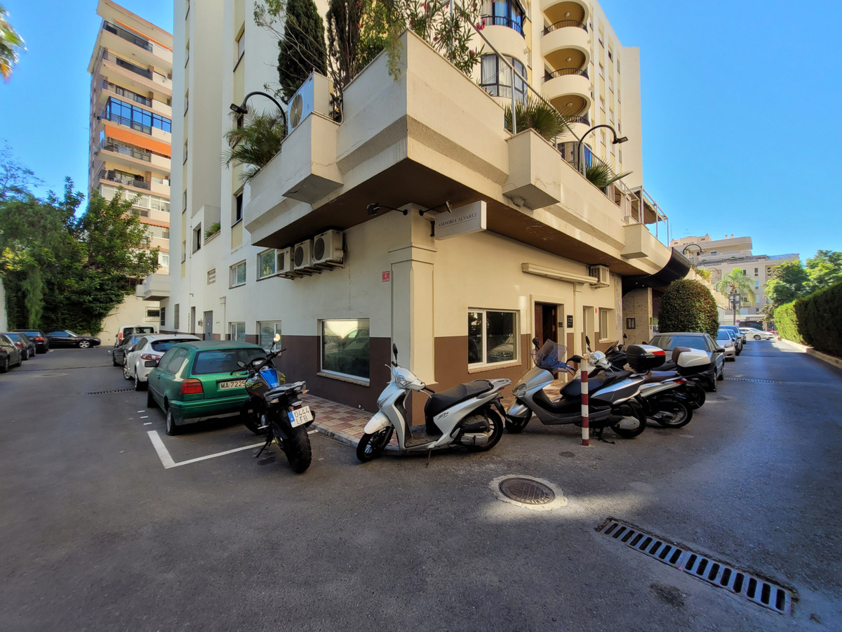 Investment opportunity - local situated in the centre of Marbella, multiple uses, great opportunity ,Spain