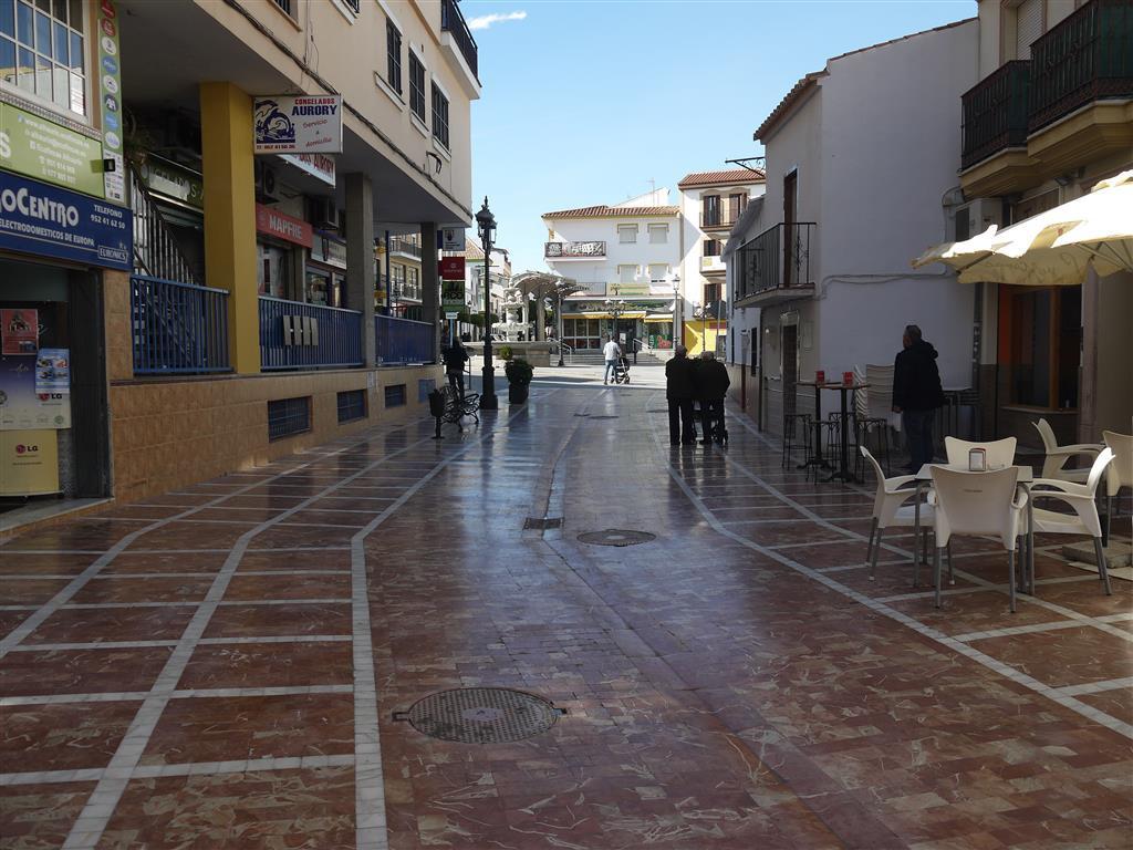 Ref:R3139867 Commercial - Shop For Sale in Alhaurín de la Torre