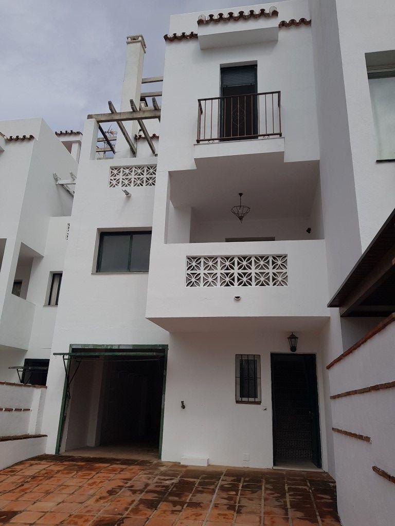 3 bedroom townhouse for sale el coto