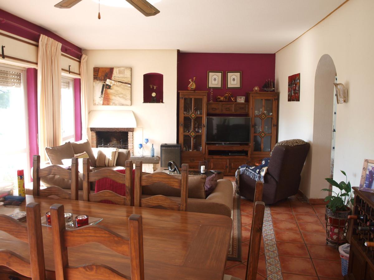 Townhouse For sale In Torreblanca - Space Marbella