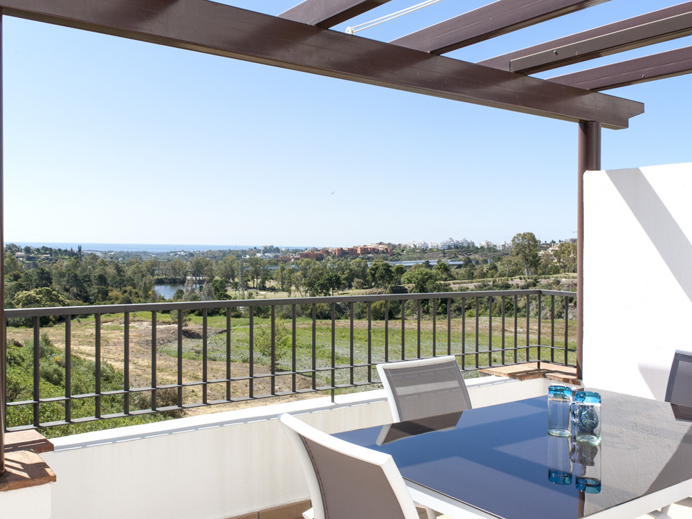 Immaculate corner penthouse in Los Robles (southern Los Arqueros) with unbroken golf, lake and sea v,Spain