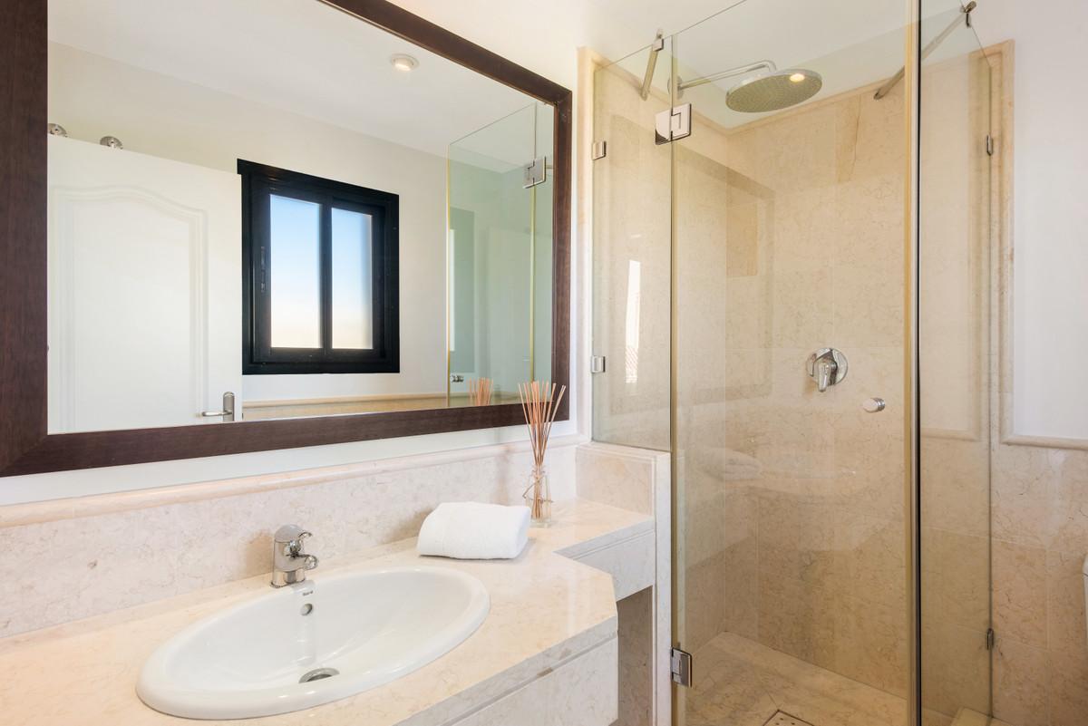 Apartment Penthouse Benahavís Málaga Costa del Sol R3751945 10