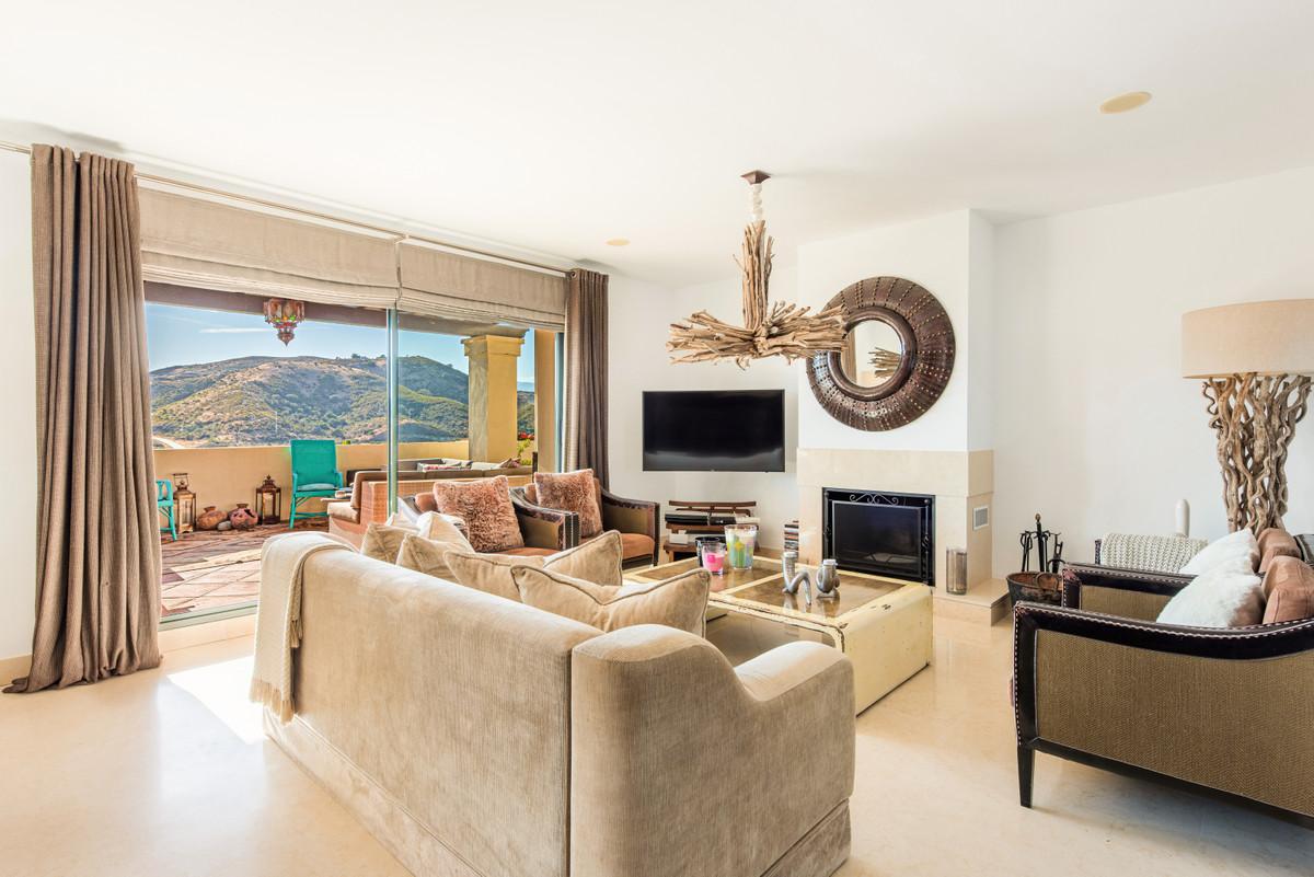 Apartment Penthouse Benahavís Málaga Costa del Sol R3751945 3