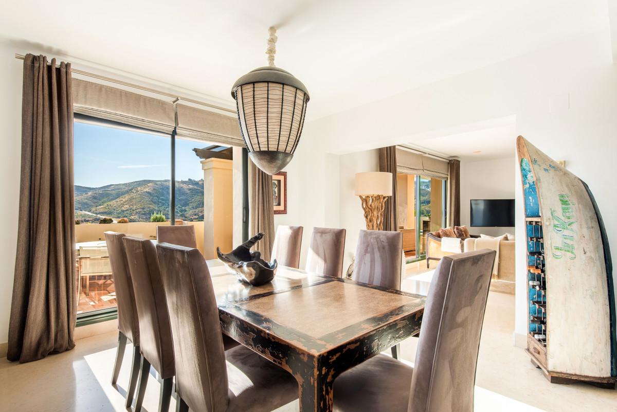 Apartment Penthouse Benahavís Málaga Costa del Sol R3751945 4