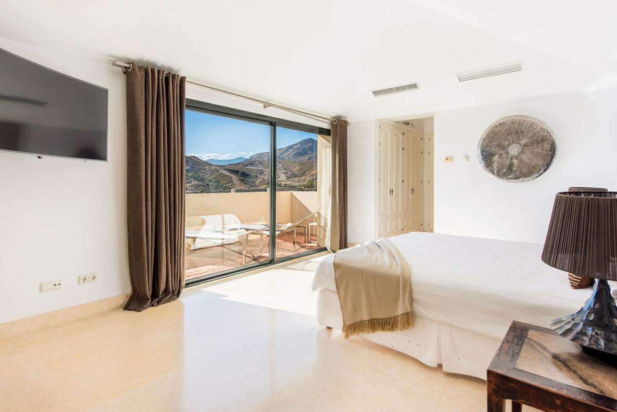 Apartment Penthouse Benahavís Málaga Costa del Sol R3751945 5