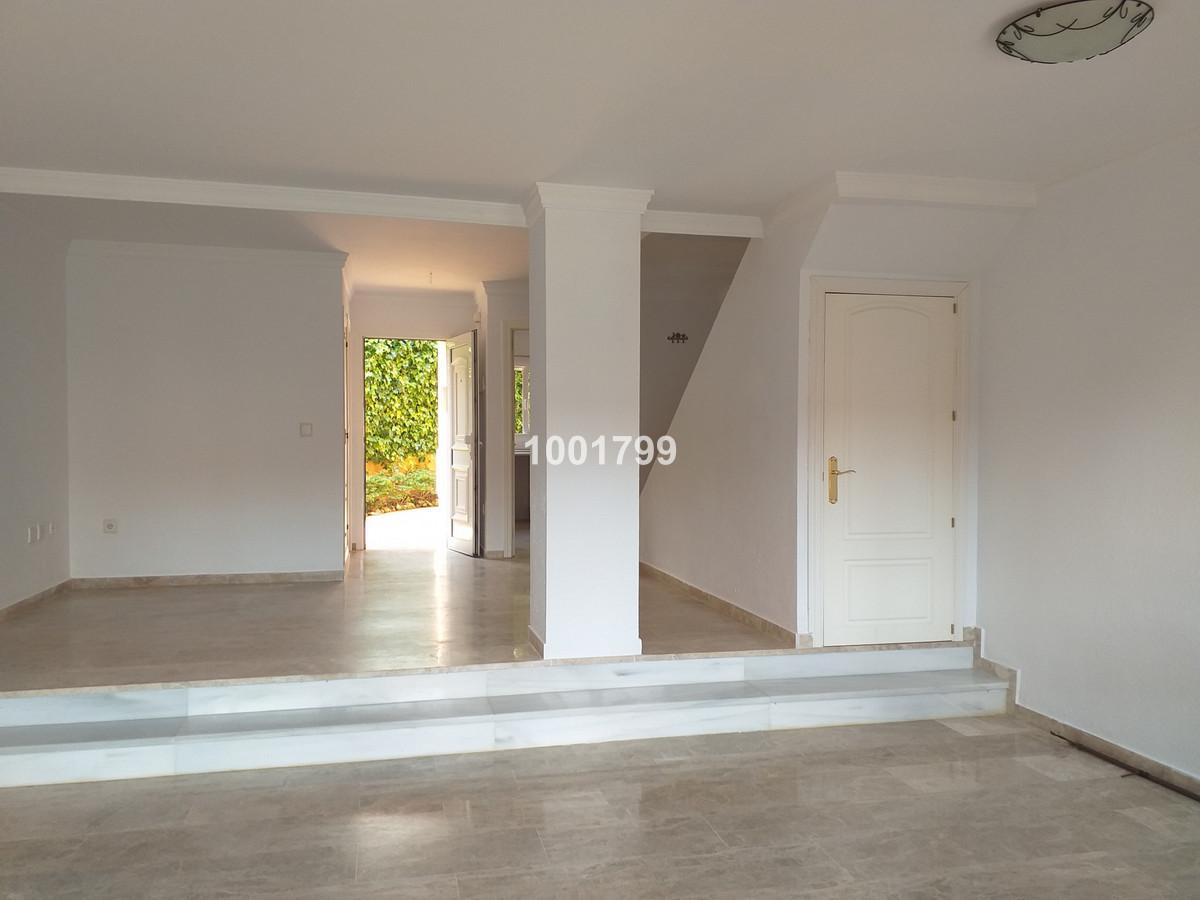 Townhouse, Manilva, Costa del Sol. 3 Bedrooms, 2 Bathrooms, Built 130 m², Garden/Plot 40 m².  Settin,Spain