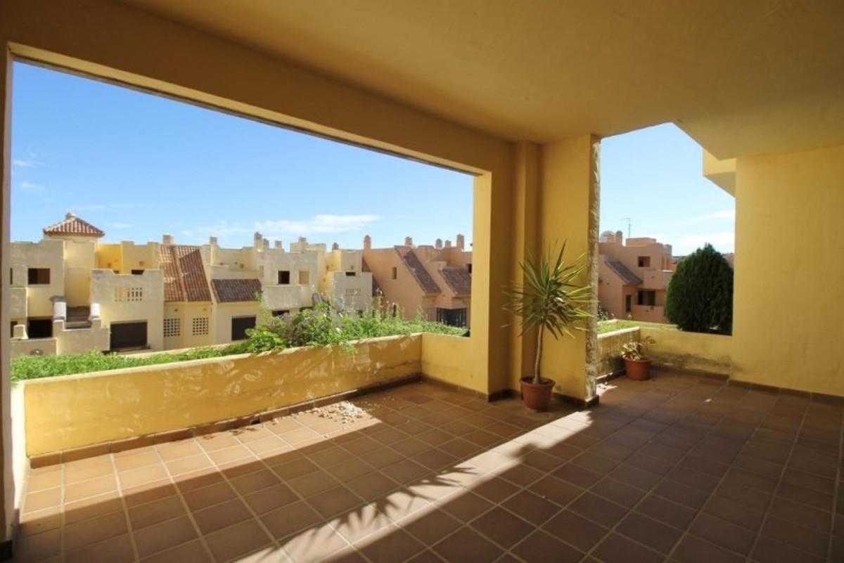 Beautiful apartment in the exclusive urbanization of Duquesa Village in Puerto de la Duquesa. It con,Spain