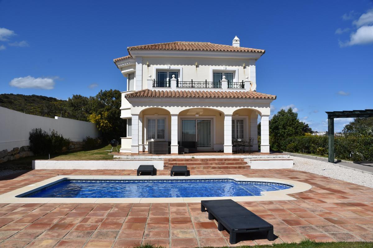 Detached Villa in Torreguadiaro