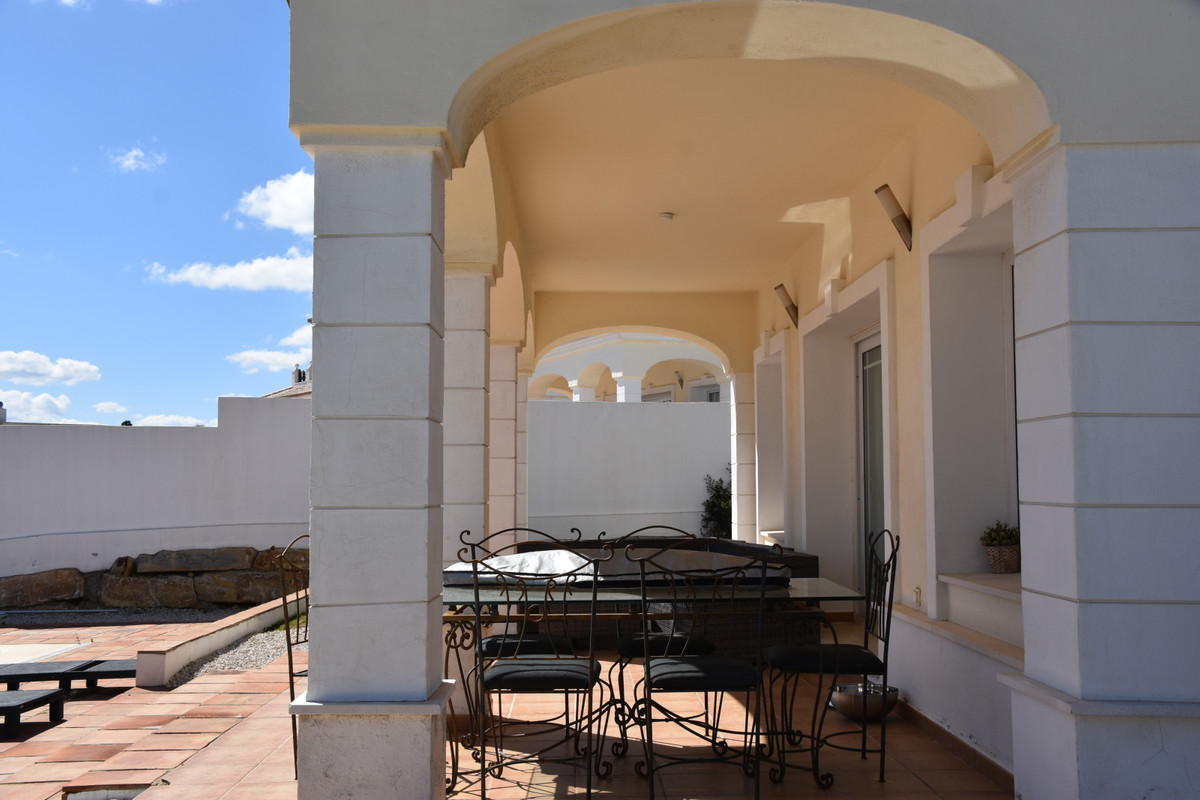 Villa con 3 Dormitorios en Venta Torreguadiaro