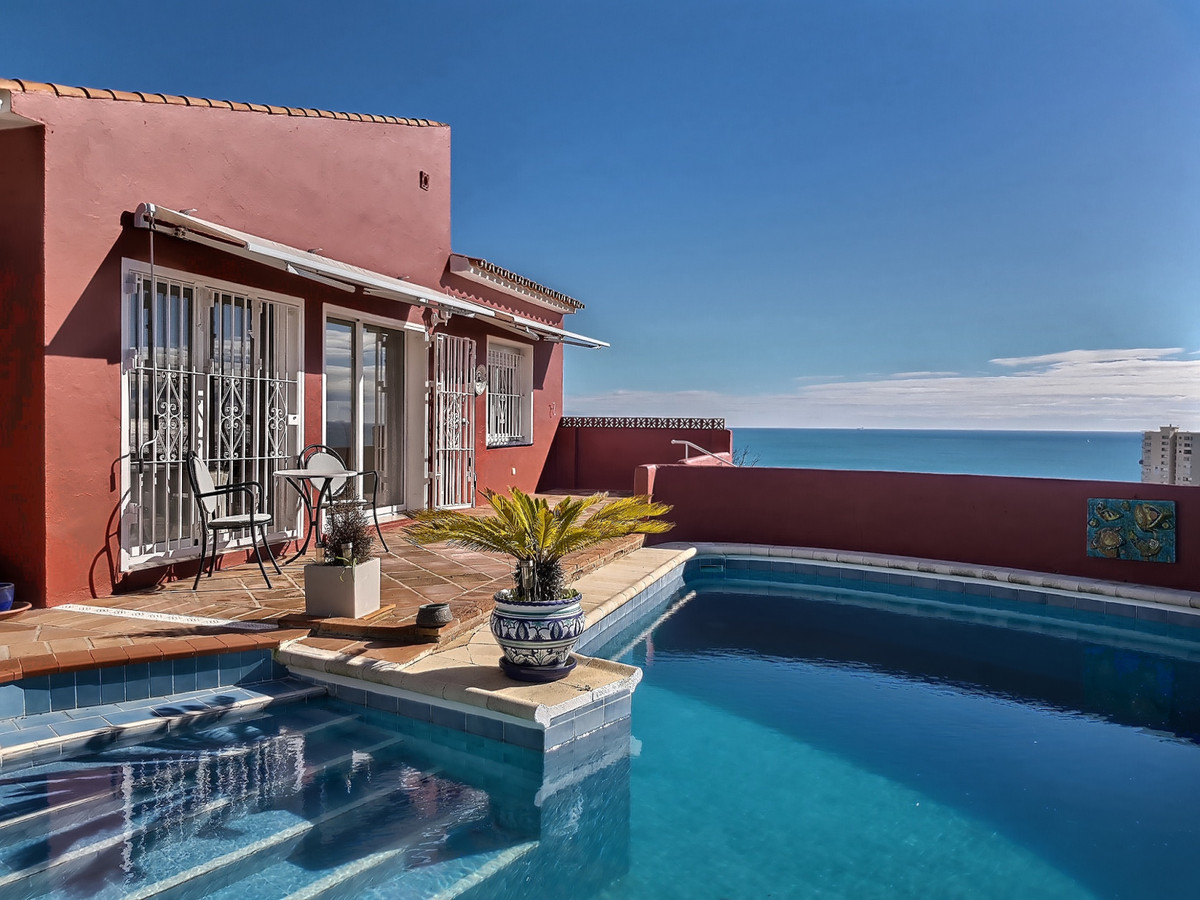 Stunning, South-facing, independent Villa in Torreguadiaro with stunning, unobstructed sea views acr,Spain