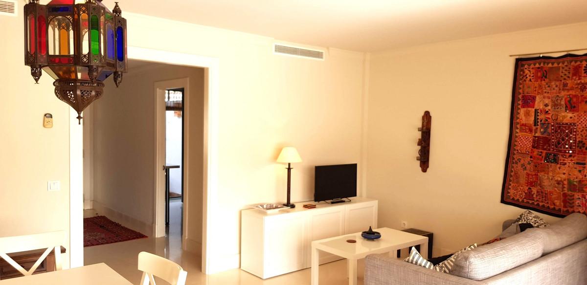Apartment Middle Floor in Doña Julia, Costa del Sol
