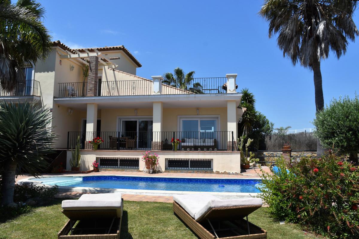Detached Villa in Casares Playa R3185746