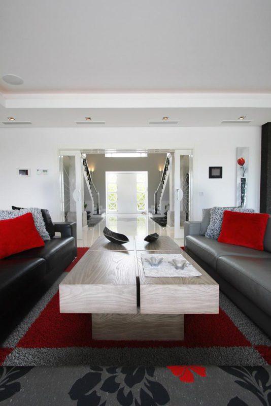 5 Habitaciones 6 Baños Referencia del Inmueble: R2314340
