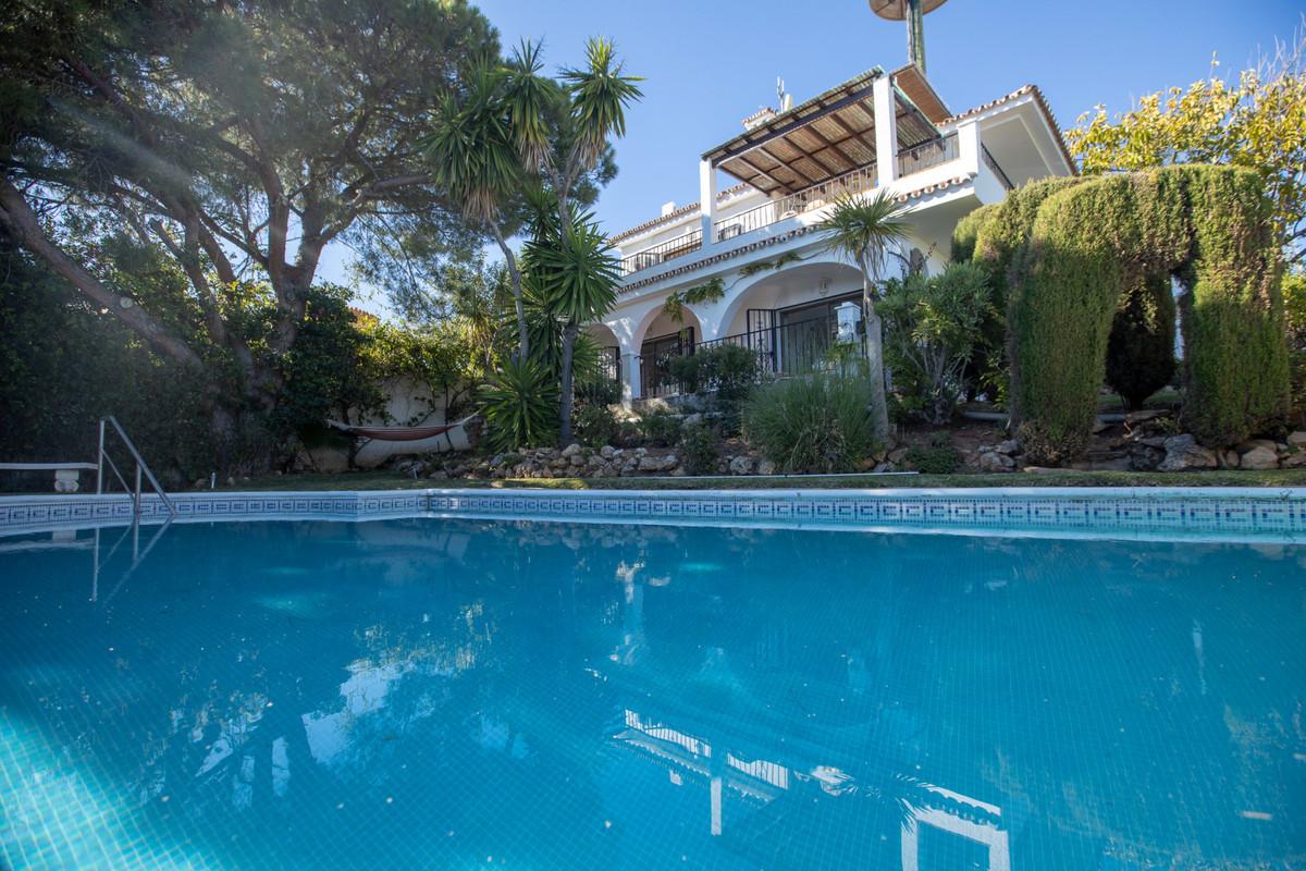 Detached Villa for sale in Elviria R3375589