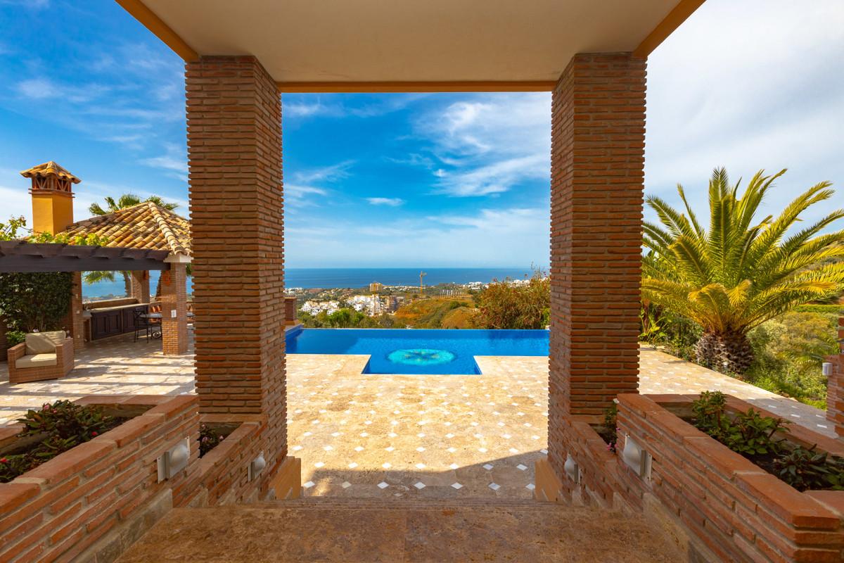 House in Altos de los Monteros R3412759 13