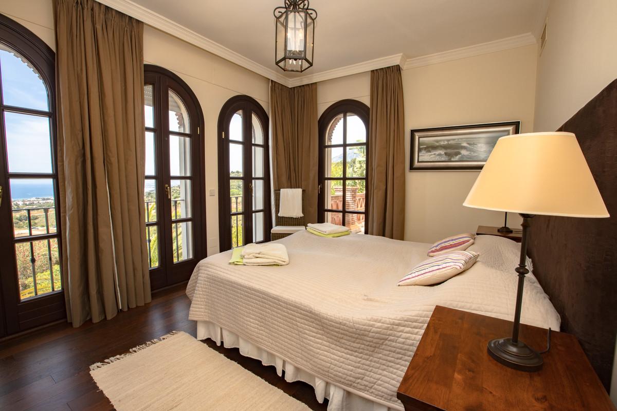 House in Altos de los Monteros R3412759 17