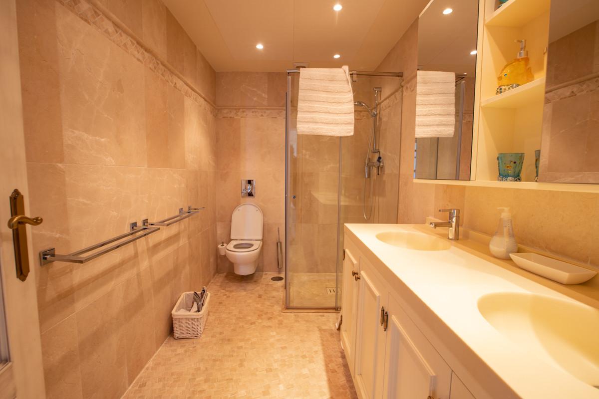 House in Altos de los Monteros R3412759 27