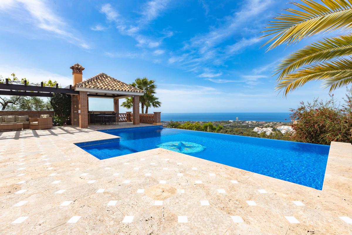 House in Altos de los Monteros R3412759 34