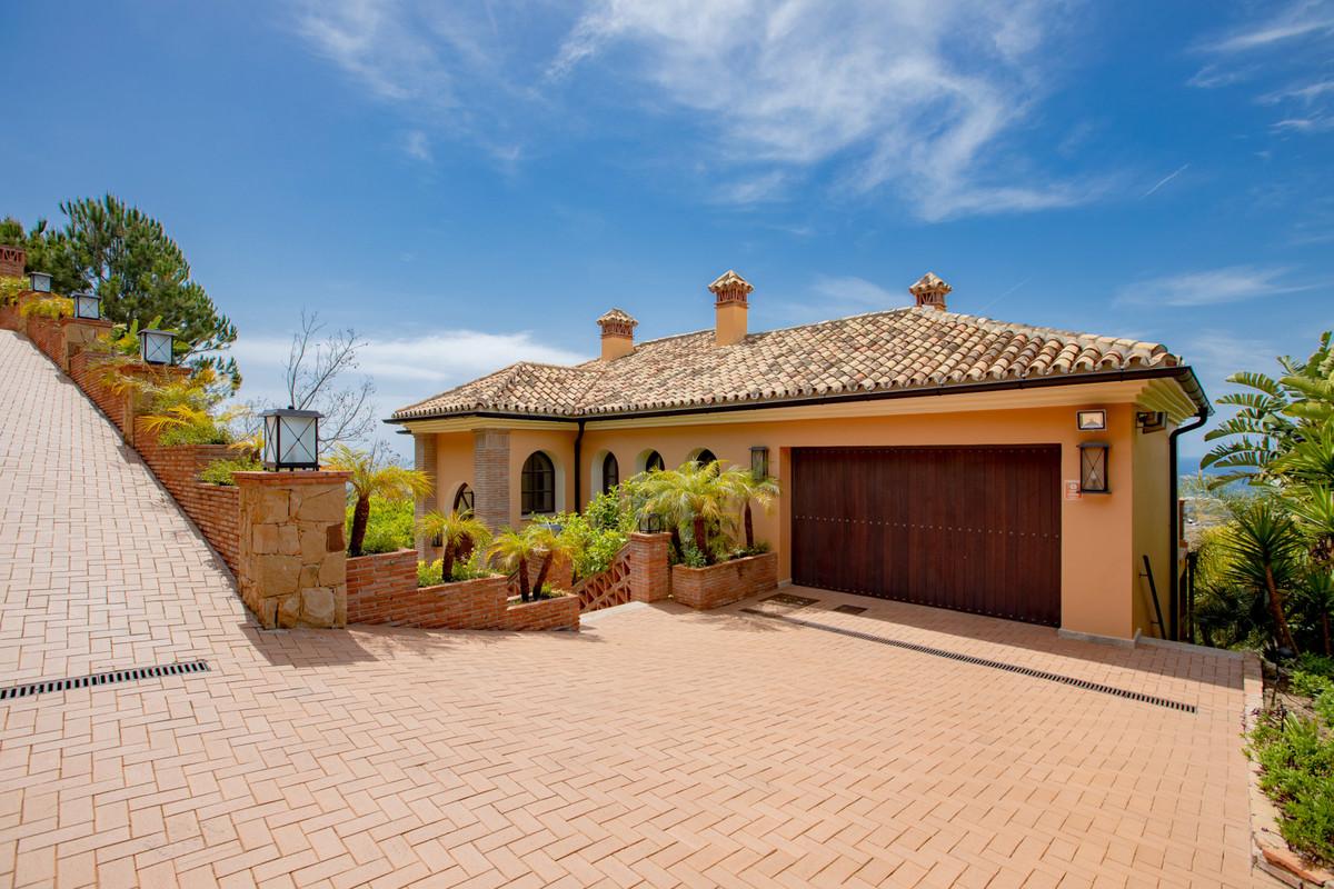 House in Altos de los Monteros R3412759 36
