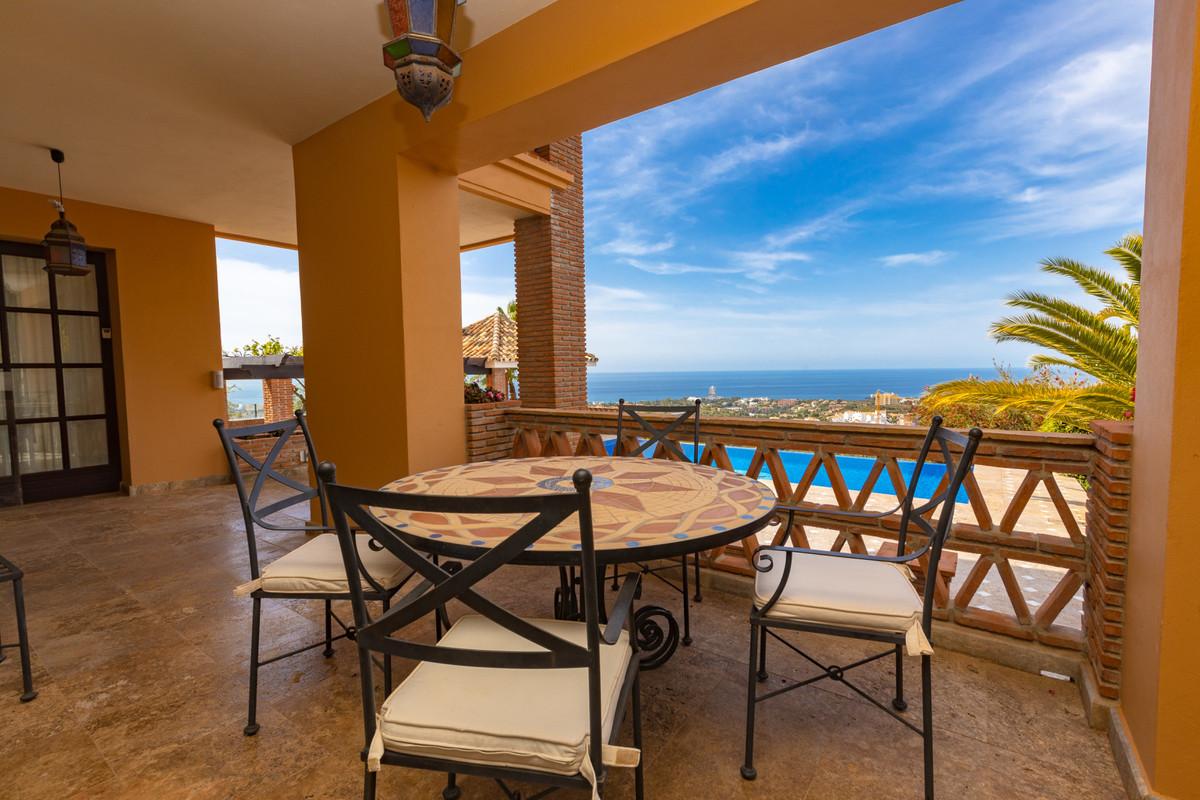 House in Altos de los Monteros R3412759 9