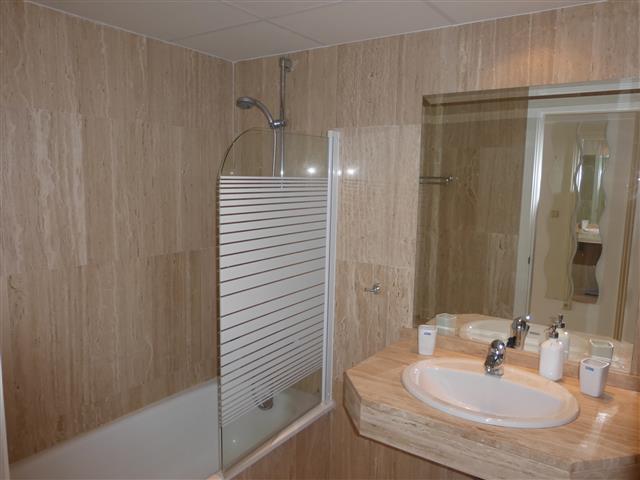 Apartamento con 1 Dormitorios en Venta Elviria