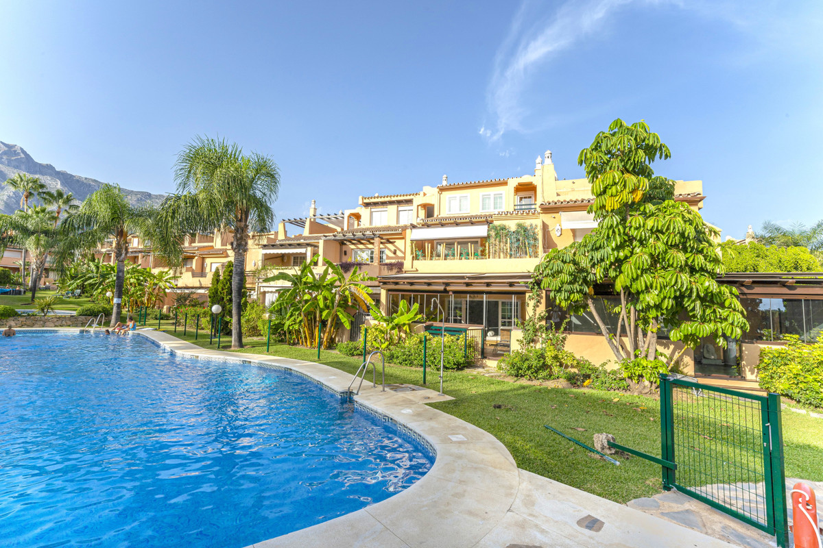 This is a stunning townhouse, quite easily the best on the complex. It has been refurbished througho,Spain