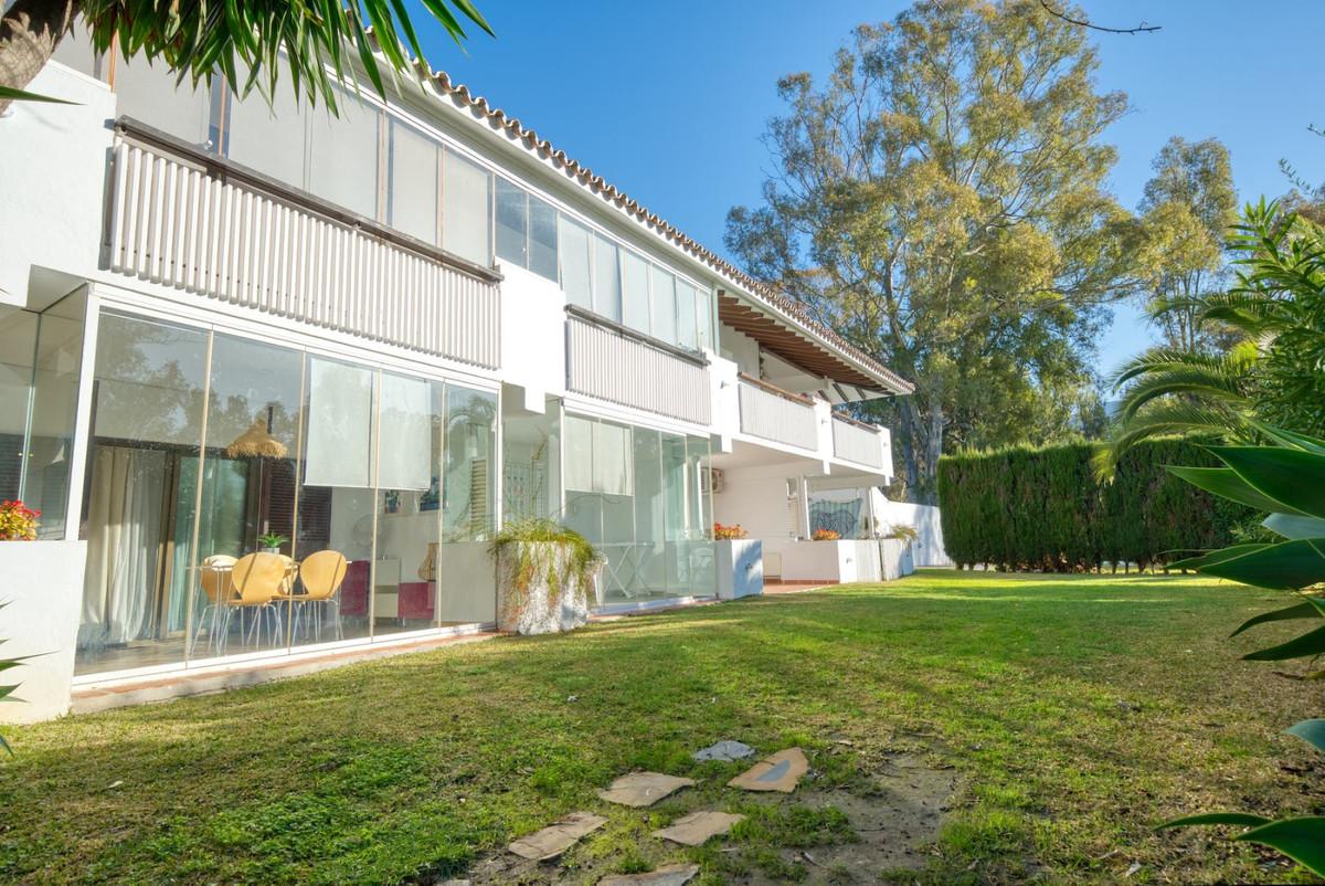 Studio for sale in Puerto Banús