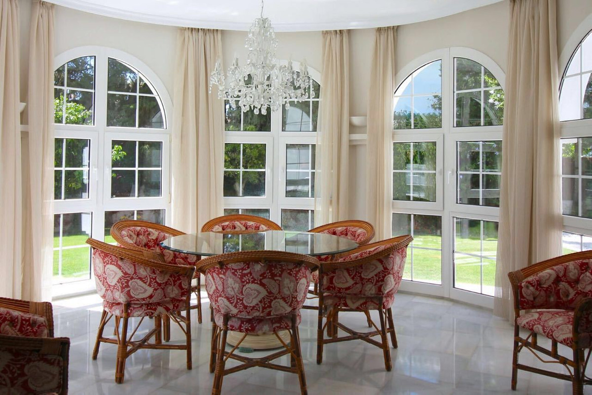 5 Bedroom Villa for sale Aloha