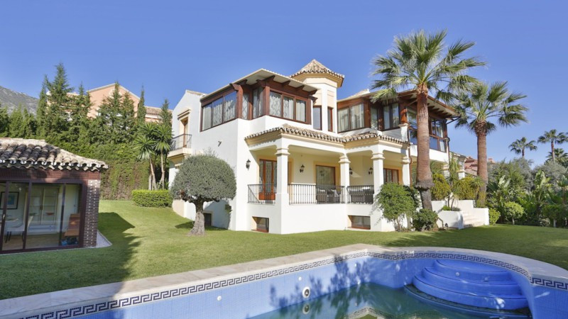 Detached Villa for sale in Sierra Blanca R2399534