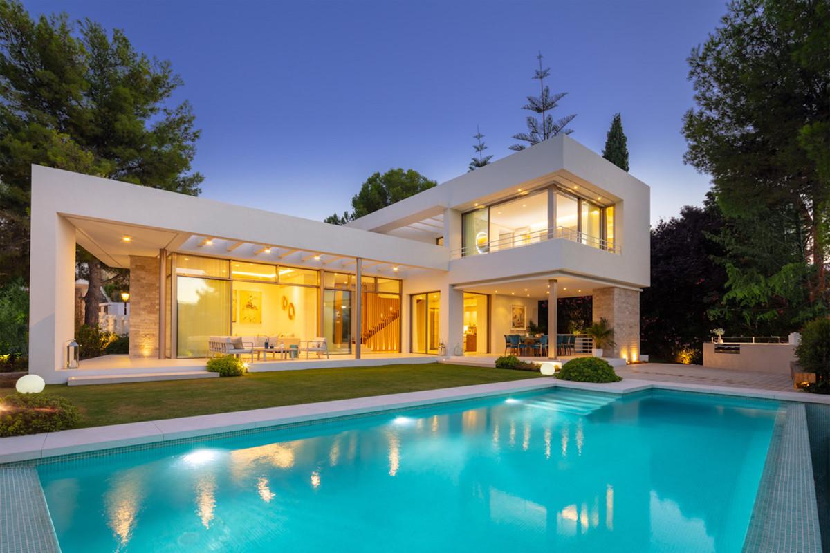 House for Sale in Nueva Andalucía, Costa del Sol