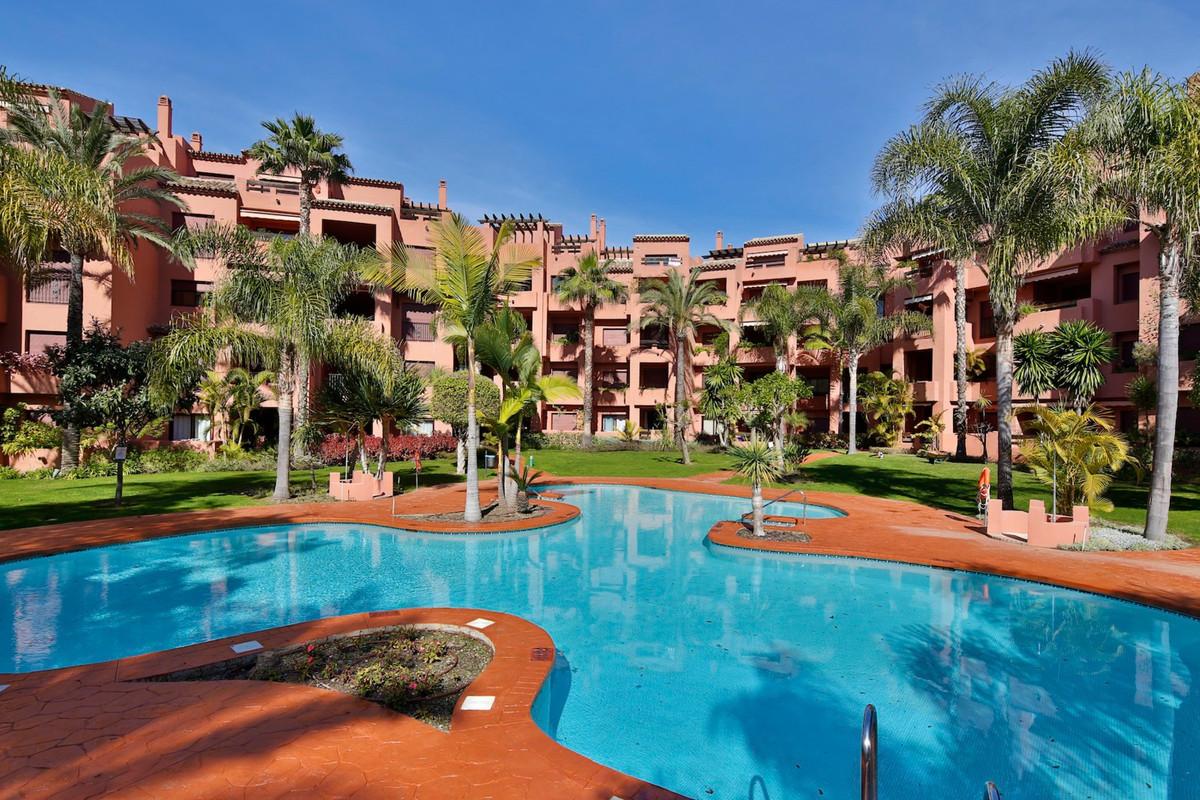 Apartamento 2 Dormitorios en Venta Los Monteros