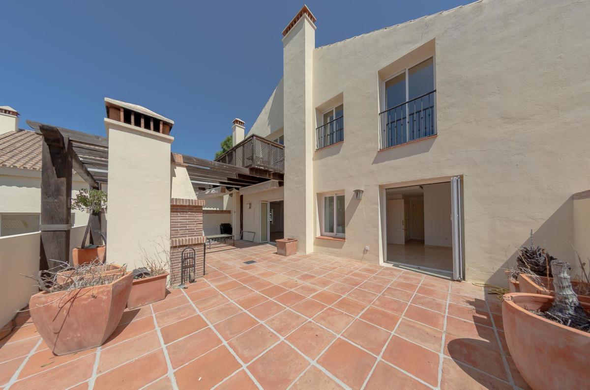 Penthouse in Nueva Andalucía R3359950