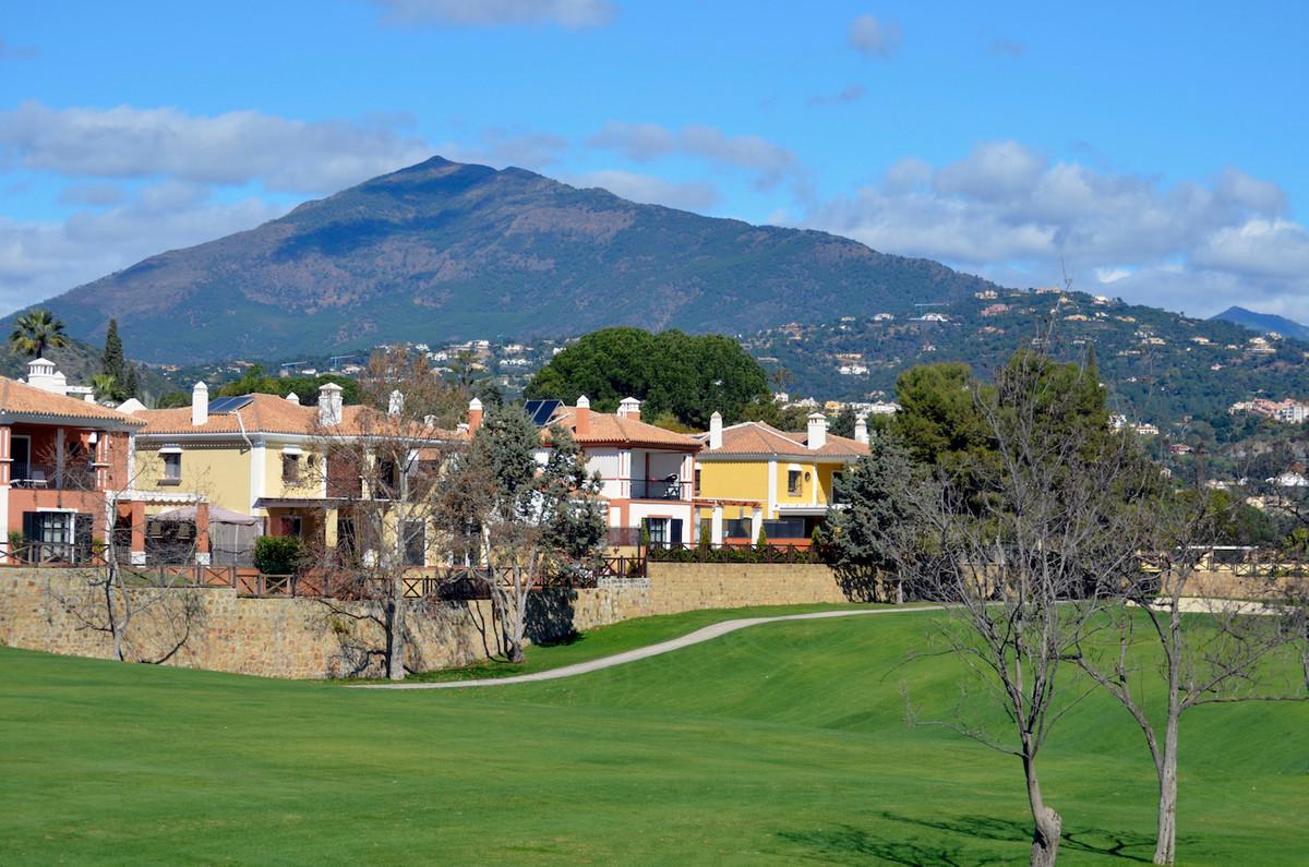Superbly situated villa on Frontline Golf in the prestigious urbanization of Isla de Guadalmina with,Spain