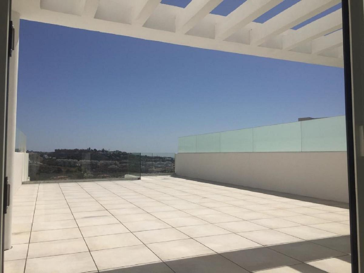 Middle Floor Apartment in La Cala de Mijas R3517099