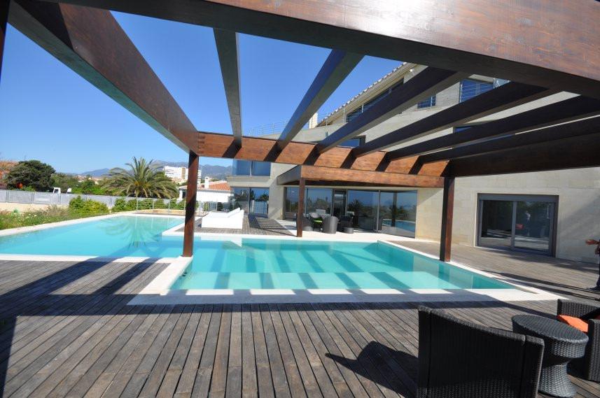 Villa con 5 Dormitorios en Venta Costabella