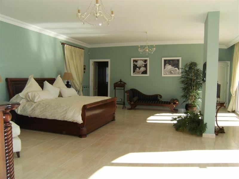 8 Bedroom Villa For Sale, Sierra Blanca