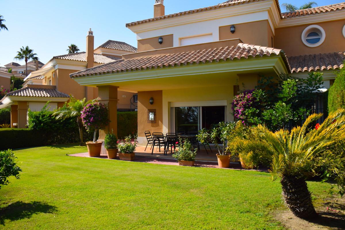 Villa con 4 Dormitorios en Venta Santa Clara