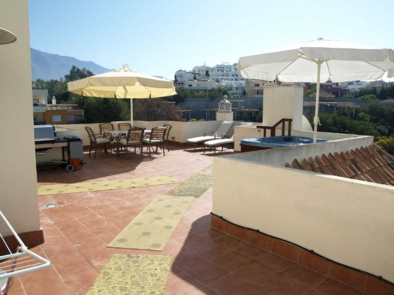 Apartment for sale in Las Brisas, Costa del Sol